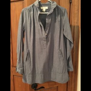 Lovely and lightweight tunic with nice details.